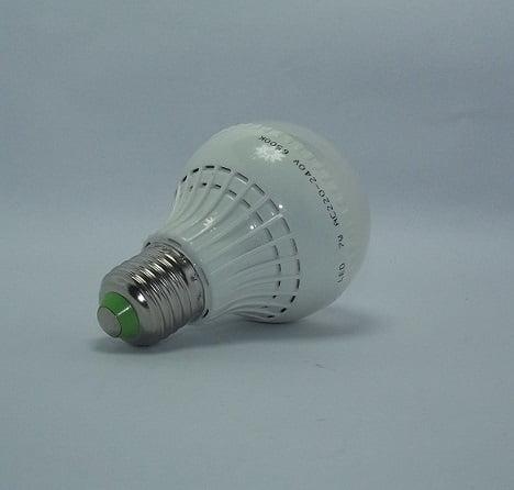 Bec EHBMT cu LED tip bulb 7W